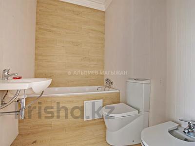 5-комнатная квартира, 330 м², 2/4 этаж, Достык 320 — Оспанова за 160 млн 〒 в Алматы, Медеуский р-н — фото 21