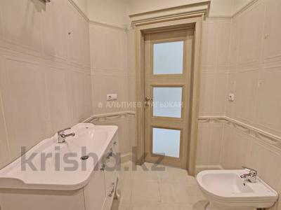 5-комнатная квартира, 330 м², 2/4 этаж, Достык 320 — Оспанова за 160 млн 〒 в Алматы, Медеуский р-н — фото 23