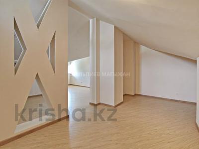 5-комнатная квартира, 330 м², 2/4 этаж, Достык 320 — Оспанова за 160 млн 〒 в Алматы, Медеуский р-н — фото 30