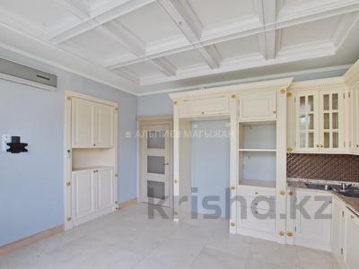 5-комнатная квартира, 330 м², 2/4 этаж, Достык 320 — Оспанова за 160 млн 〒 в Алматы, Медеуский р-н — фото 9