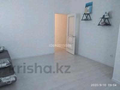 1-комнатная квартира, 42 м², 20/22 этаж помесячно, Туркестан 14 за 120 000 〒 в Нур-Султане (Астана), Есиль р-н — фото 3