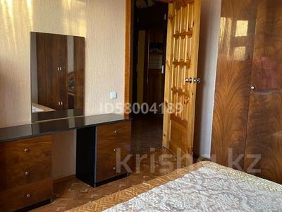 3-комнатная квартира, 75 м², 4/5 этаж помесячно, мкр Восток 28 за 120 000 〒 в Шымкенте, Енбекшинский р-н — фото 11