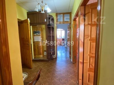 3-комнатная квартира, 75 м², 4/5 этаж помесячно, мкр Восток 28 за 120 000 〒 в Шымкенте, Енбекшинский р-н — фото 21