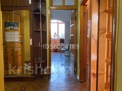 3-комнатная квартира, 75 м², 4/5 этаж помесячно, мкр Восток 28 за 120 000 〒 в Шымкенте, Енбекшинский р-н — фото 23
