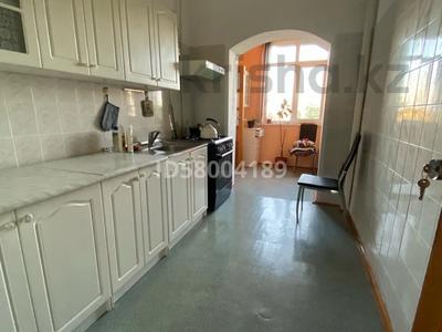 3-комнатная квартира, 75 м², 4/5 этаж помесячно, мкр Восток 28 за 120 000 〒 в Шымкенте, Енбекшинский р-н — фото 3