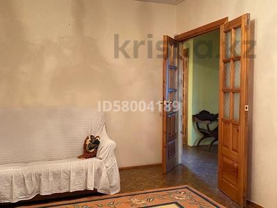 3-комнатная квартира, 75 м², 4/5 этаж помесячно, мкр Восток 28 за 120 000 〒 в Шымкенте, Енбекшинский р-н — фото 8