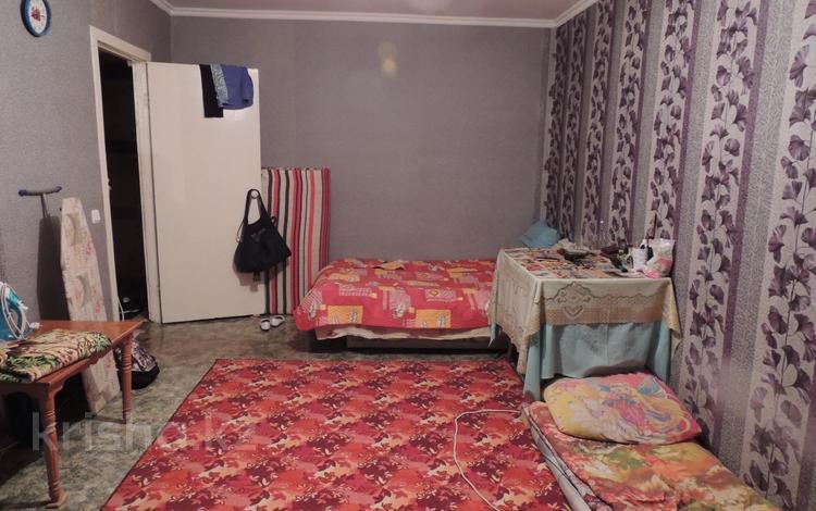 1-комнатная квартира, 32 м², 3/5 этаж, Республика 71 за 9.3 млн 〒 в Нур-Султане (Астана), Сарыарка р-н