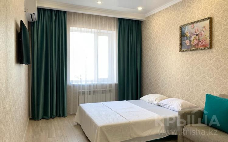 1-комнатная квартира, 45 м², 6/6 этаж посуточно, 16-й мкр 89 за 10 000 〒 в Актау, 16-й мкр