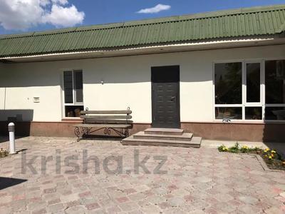 9-комнатный дом, 415 м², 17 сот., Массив бурыл за 68 млн 〒 в Таразе — фото 20