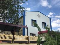 6-комнатный дом, 187 м², 3.5 сот., Старый город, Жанша Досмухамедова 4 за 26 млн 〒 в Актобе, Старый город