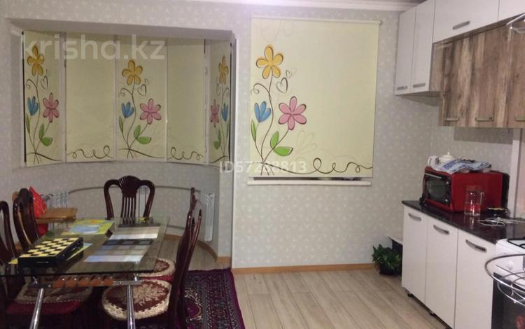 3-комнатная квартира, 97 м², 4/5 этаж, мкр Нурсат, Мкр Нурсат 32 за 32 млн 〒 в Шымкенте, Каратауский р-н