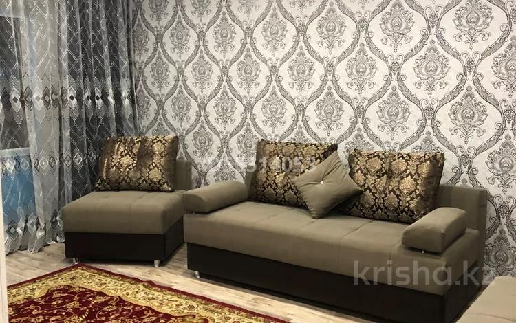 2-комнатная квартира, 57 м², 3/5 этаж посуточно, Иртышская14 — Пр. Ауэзова за 7 000 〒 в Семее