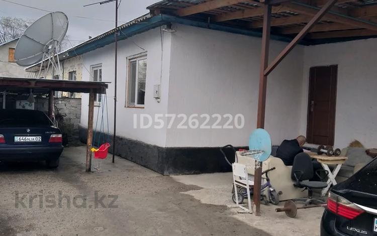 2-комнатный дом, 45 м², 3.3 сот., мкр Кемел (Первомайское), Жолымбета 30 за 12 млн 〒 в Алматы, Жетысуский р-н