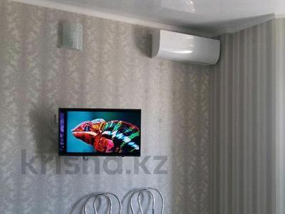 1-комнатная квартира, 50 м², 7/9 этаж посуточно, Аккент, Мкр. Аккент 44 за 9 000 〒 в Алматы, Алатауский р-н