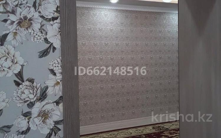13-комнатный дом, 380 м², 8 сот., Северо-Запад за 52 млн 〒 в Шымкенте