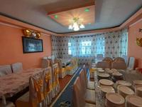 6-комнатный дом посуточно, 300 м², мкр Кунгей за 50 000 〒 в Караганде, Казыбек би р-н