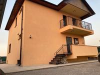 7-комнатный дом, 300 м², 8 сот.