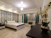 2-комнатная квартира, 110 м², 7/7 этаж посуточно, проспект Достык 40 — Кабанбай Батыра за 20 000 〒 в Алматы, Медеуский р-н