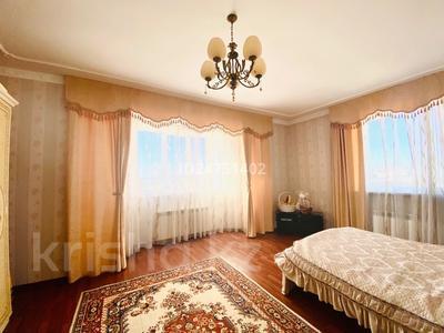 5-комнатный дом, 220 м², 12 сот., Юных Космонавтов за 65 млн 〒 в Темиртау