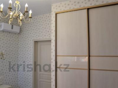 4-комнатная квартира, 95 м², 3/8 этаж, Пирогова за 45 млн 〒 в Сочи — фото 12