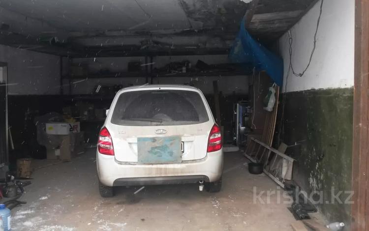два смежных гаража за 6 млн 〒 в Нур-Султане (Астана), Алматы р-н