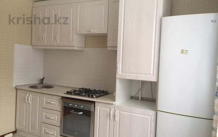 2-комнатная квартира, 55 м², 3/5 этаж помесячно, мкр Алмагуль 48 — Аль-Фараби за 150 000 〒 в Алматы, Бостандыкский р-н