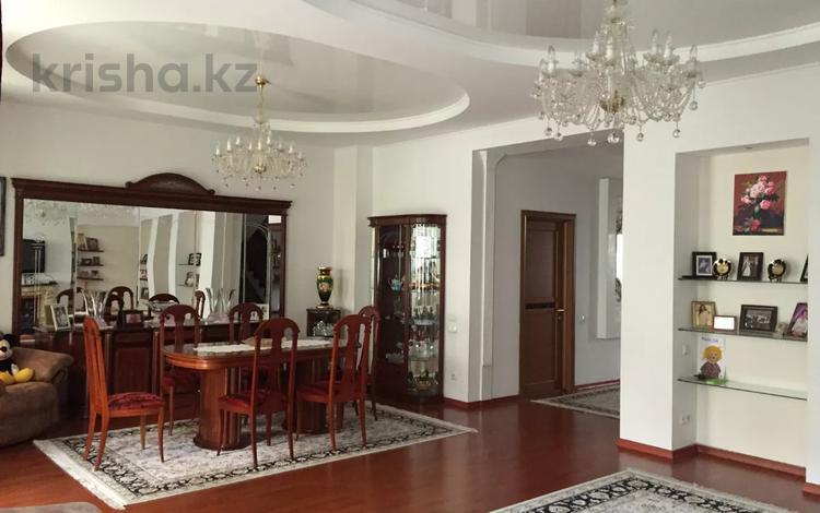 7-комнатная квартира, 351 м², мкр Каргалы, Рыскулбекова 19 за 125 млн 〒 в Алматы, Наурызбайский р-н