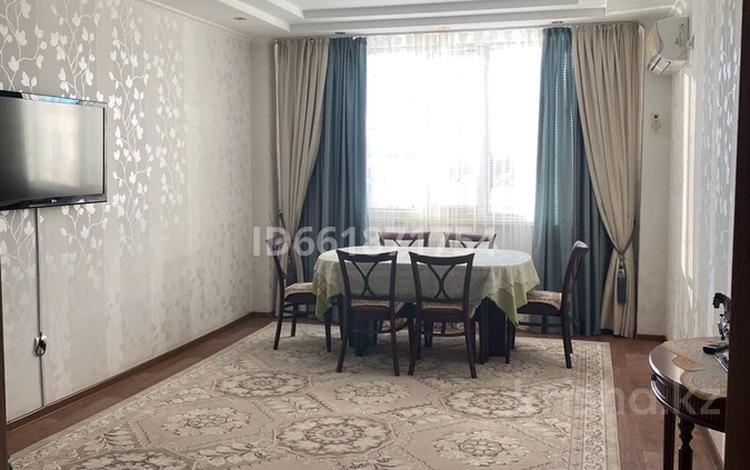 3-комнатная квартира, 75 м², 2/5 этаж, Сырым Датова 35Б за 22 млн 〒 в Атырау