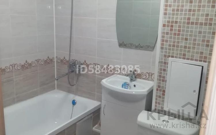 3-комнатная квартира, 60 м², 1/4 этаж помесячно, мкр №4, Абая 4 за 220 000 〒 в Алматы, Ауэзовский р-н
