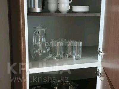 2-комнатная квартира, 75 м² помесячно, Байтурсынова 1 — Кошкарбаева за 320 000 〒 в Нур-Султане (Астана), Алматы р-н — фото 8
