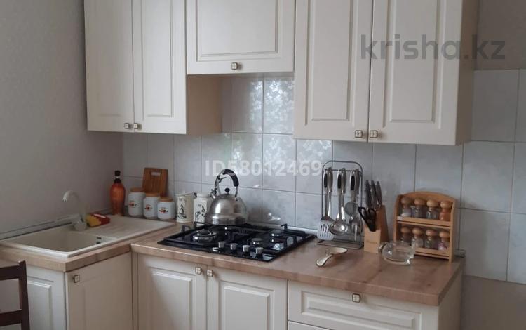 3-комнатный дом, 100 м², 8 сот., Достык 7а за 15 млн 〒 в Улане