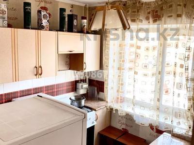 1-комнатная квартира, 35 м², 2/4 этаж по часам, Букетова 42 — Жабаева за 2 000 〒 в Петропавловске — фото 3
