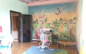 6-комнатный дом помесячно, 600 м², 10 сот., Остроумова за 350 000 〒 в Алматы, Турксибский р-н