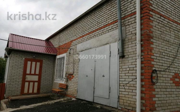 4-комнатный дом, 182.5 м², 10 сот., улица Алтынсарина — Баймагамбетова за 42 млн 〒 в Костанае