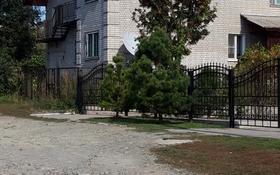 5-комнатный дом, 324.6 м², 11 сот., Рябиновая — П.Радужный за 29.9 млн 〒 в Усть-Каменогорске