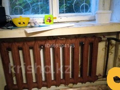 1-комнатная квартира, 42 м², 1/5 этаж, Муткенова 54 — Шедрина за 6 млн 〒 в Павлодаре