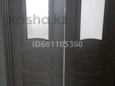 2-комнатная квартира, 60 м², 5/5 этаж помесячно, 15-й микрорайон за 45 000 〒 в Таразе — фото 3