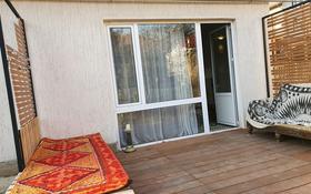 3-комнатный дом помесячно, 100 м², 3 сот., мкр Ремизовка 5 за 280 000 〒 в Алматы, Бостандыкский р-н