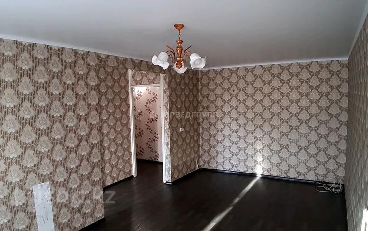 1-комнатная квартира, 32 м², 3/5 этаж, проспект Металлургов 7 за 4.5 млн 〒 в Темиртау