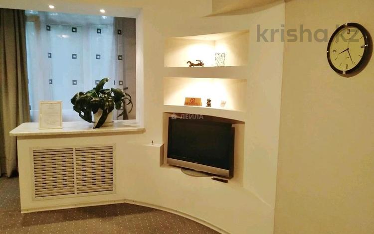 1-комнатная квартира, 41 м², 4/5 этаж помесячно, Валиханова — Богенбай батыра за 130 000 〒 в Алматы, Медеуский р-н