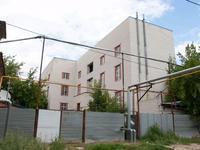 Здание, площадью 1640 м²