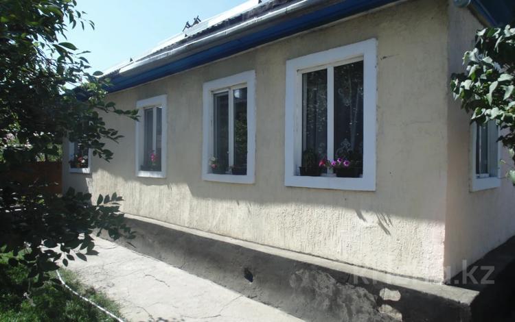 3-комнатный дом, 80 м², 6 сот., Калиев 76 за 11 млн 〒 в Талдыкоргане