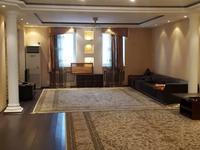 4-комнатная квартира, 210 м², 6 этаж помесячно