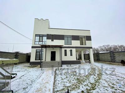 5-комнатный дом, 180 м², 6 сот., мкр Мадениет за 67 млн 〒 в Алматы, Алатауский р-н