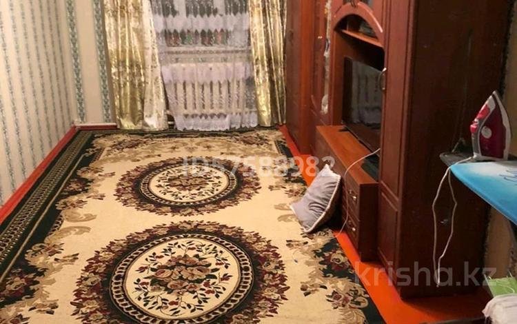 6-комнатный дом, 250 м², 8 сот., Абуов 34б за 5 млн 〒 в
