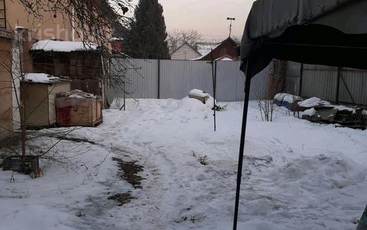 2-комнатный дом, 37 м², 3.5 сот., проспект Сакена Сейфуллина — Майбороды за 11.5 млн 〒 в Алматы, Турксибский р-н