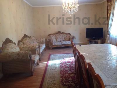8-комнатный дом, 200 м², Сейфуллина за 30 млн 〒 в