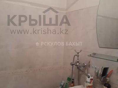 2-комнатная квартира, 54 м², 8/9 этаж, мкр Аксай-2 за ~ 16.1 млн 〒 в Алматы, Ауэзовский р-н — фото 14