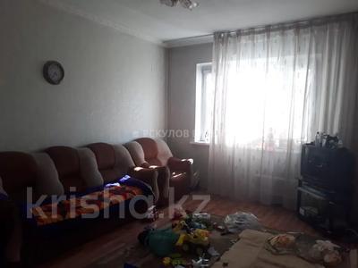 2-комнатная квартира, 54 м², 8/9 этаж, мкр Аксай-2 за ~ 16.1 млн 〒 в Алматы, Ауэзовский р-н — фото 10