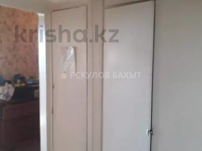 2-комнатная квартира, 54 м², 8/9 этаж, мкр Аксай-2 за ~ 16.1 млн 〒 в Алматы, Ауэзовский р-н — фото 2